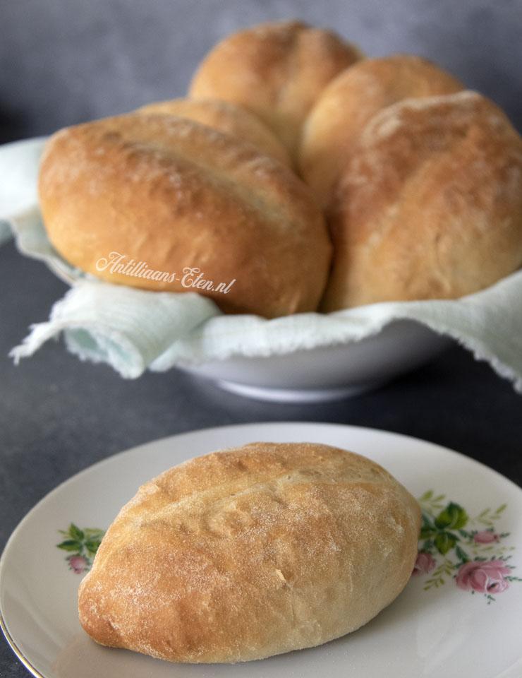 Surinaamse puntjes zelf maken recept voor Surinaamse broodjes